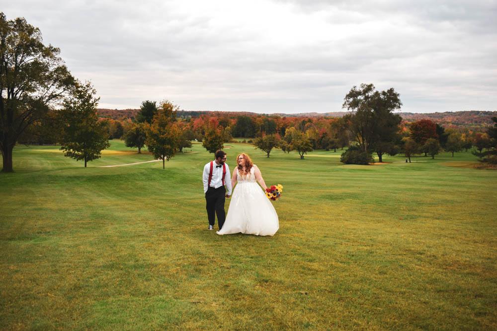 Beulah Michigan Outdoor Wedding Michigan Wedding Photographer