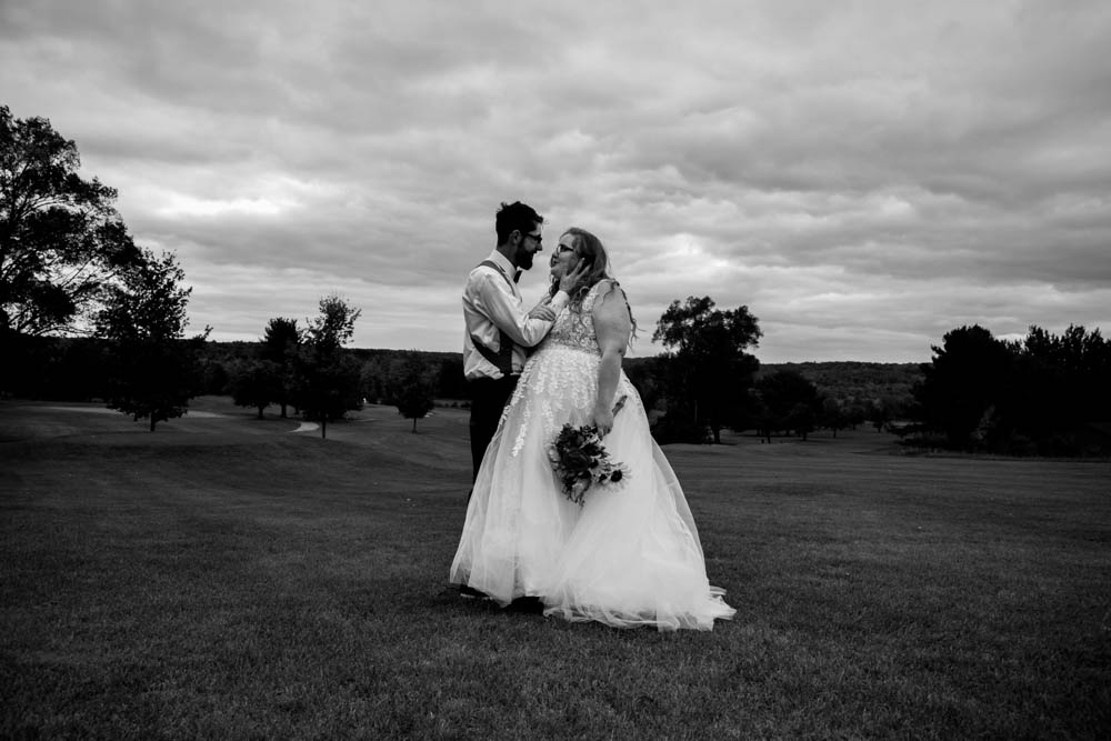 Beulah Michigan Outdoor Wedding Michigan Wedding Photographer